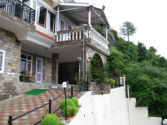 Veer garh luxury in the lap of nature hostal b b en for Hostal luxury