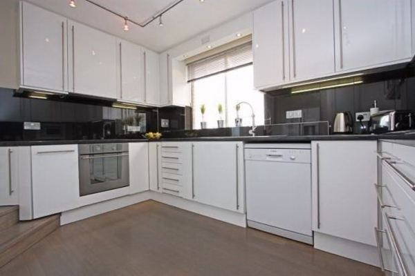 2 Bedrooms for rent in Center London