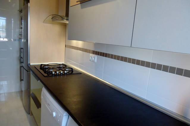 Habitacion especial para estudiante tv ordenador wifi casa de familia en madrid espa a gomfy - Habitacion para estudiantes en madrid ...