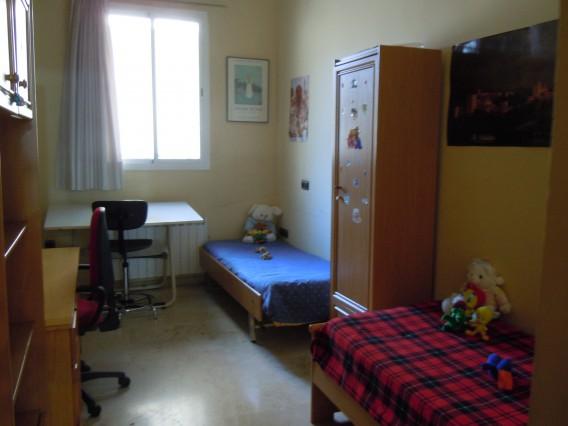 Alquilo habitaci n doble con ba o independiente casa de for Alquilo habitacion amplia