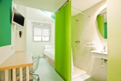 Single room with ensuite bathroom