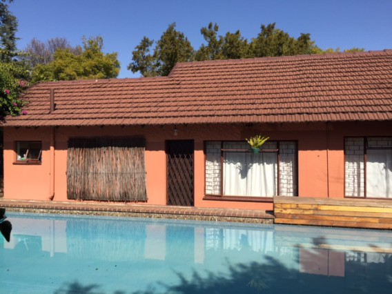 MOVE IN TODAY into chilled & safe INTERNATIONAL STUDENT HOUSESHARE in Randburg, Johannesburg