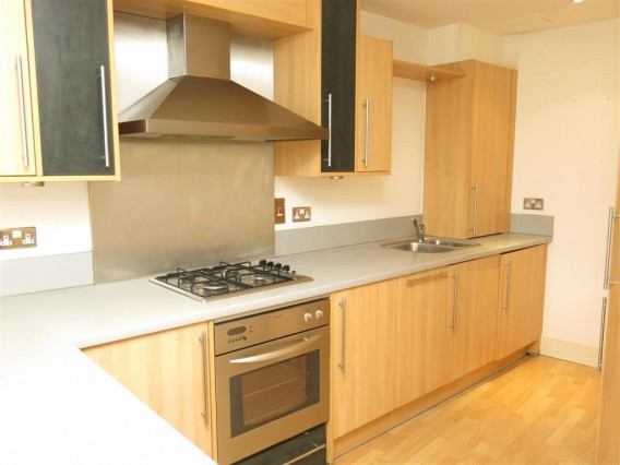 Lovely apartment off Broad Street (sleeps 6)