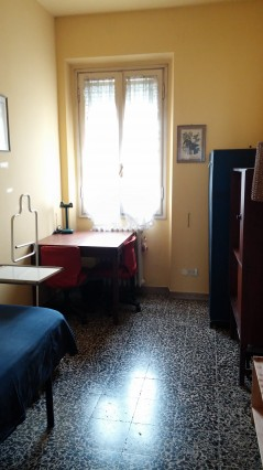Nice single room in Florence