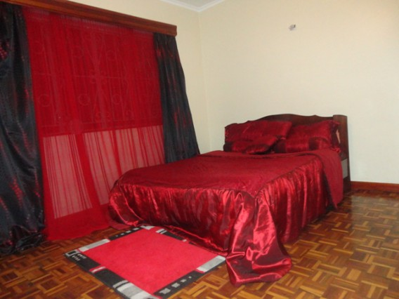 Home stay - Self contained room