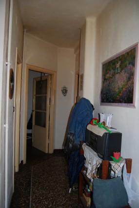 Trilocale arredato appartamento a torino italia gomfy for Appartamento arredato torino