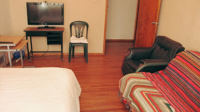 ROOM in a great part of old Quito. FREE WIFI