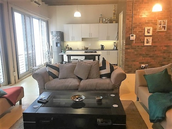 WALK TO YOUR INTERNSHIP from this awesome International 3bed loft-share in Cape Town City Centre