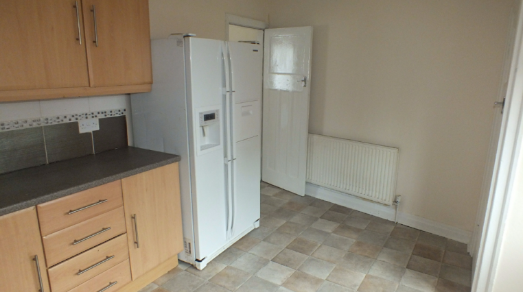 nice furnished double room available