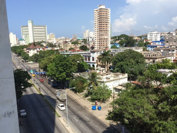 Department Bea in Vedado, the best area of Havana, 4 blocks from the Malecon