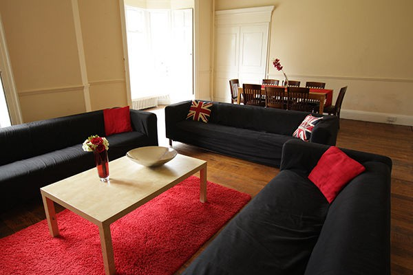 Beautiful House in Headingley - Improve your English
