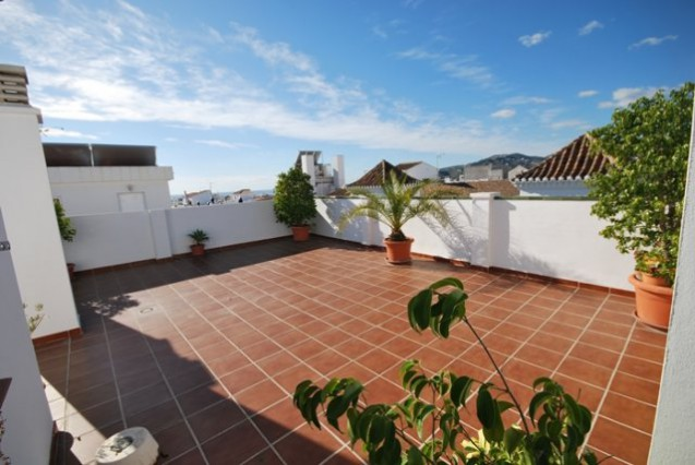 Apartment in Nerja, Free wifi. 700m Beach.