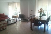 VALENCIA-BRIGHT ,SUNNY   AND SPACIOUS HOUSE NEAR UNIVERSITY,EXPENSES INCLUDED-ONLY GIRLS-